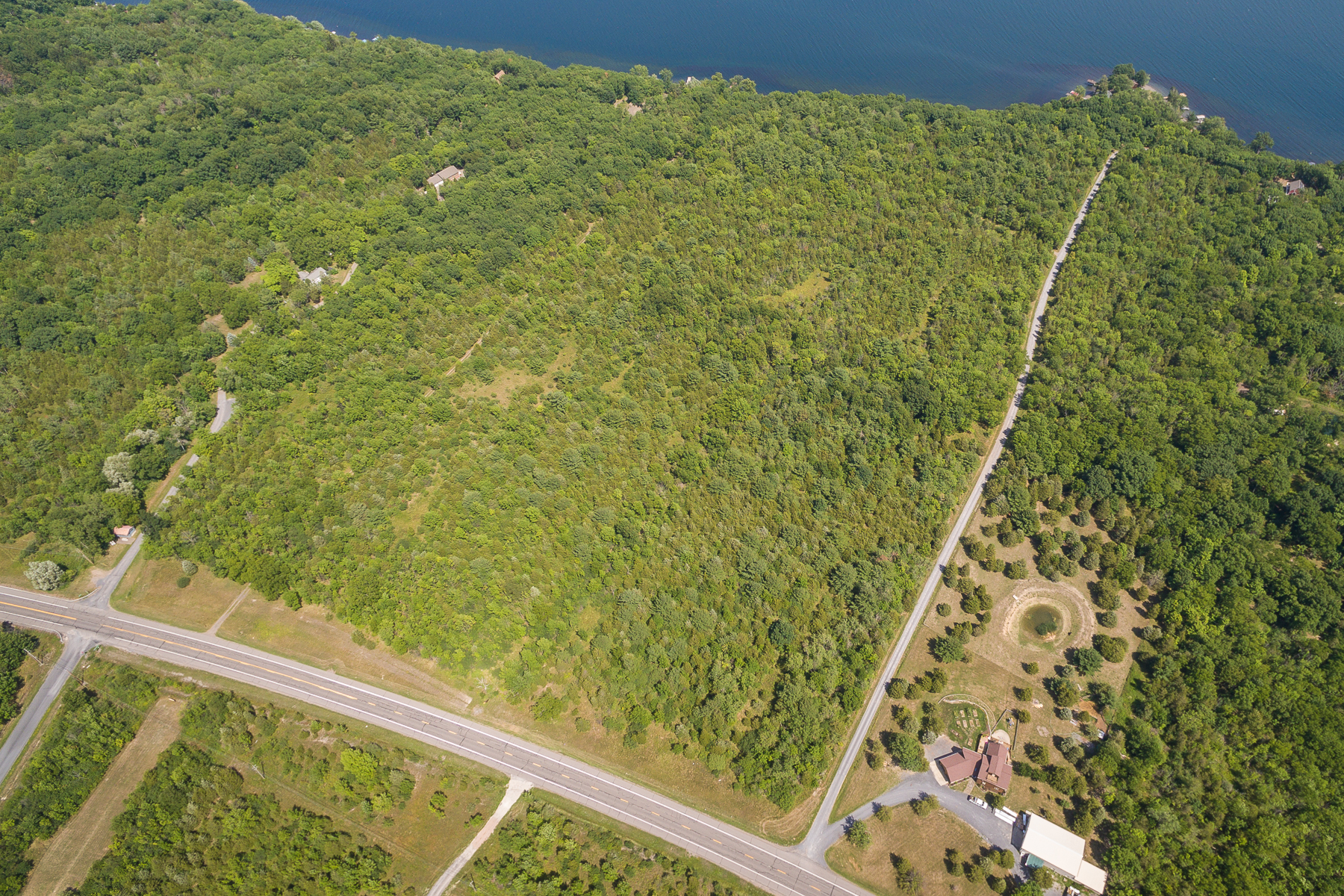 Additional photo for property listing at Seneca Lake at Juniper Point 0  Nys Route 14 Dundee, New York 14837 États-Unis