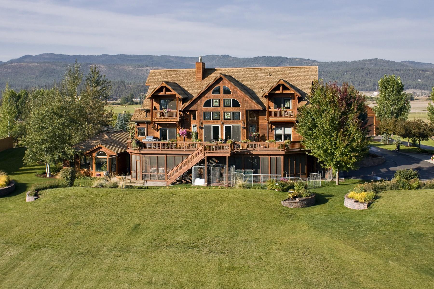 Maison unifamiliale pour l Vente à Flathead River Home 767 Lower Valley Rd Kalispell, Montana, 59901 États-Unis