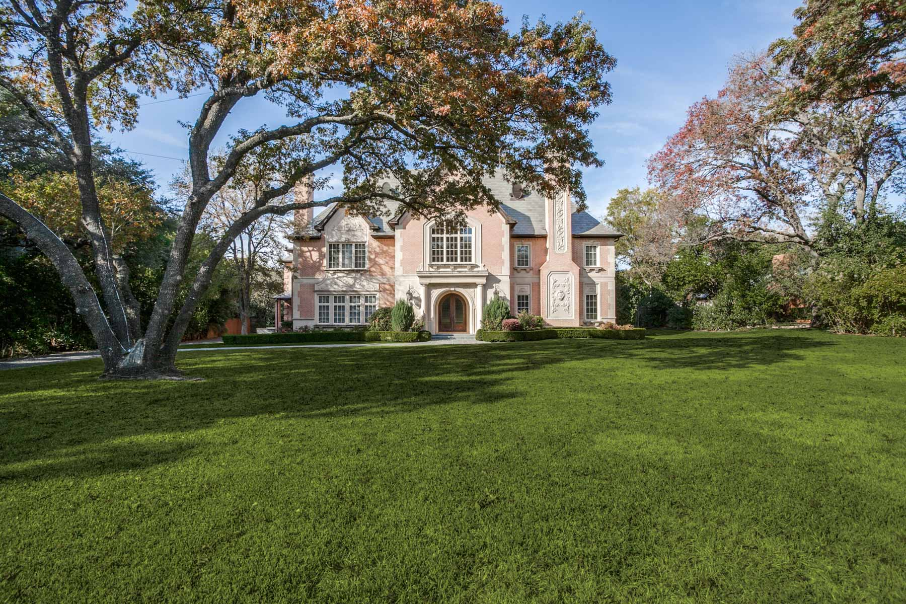 Maison unifamiliale pour l Vente à 5131 Shadywood Lane, Dallas 5131 Shadywood Ln Dallas, Texas, 75209 États-Unis