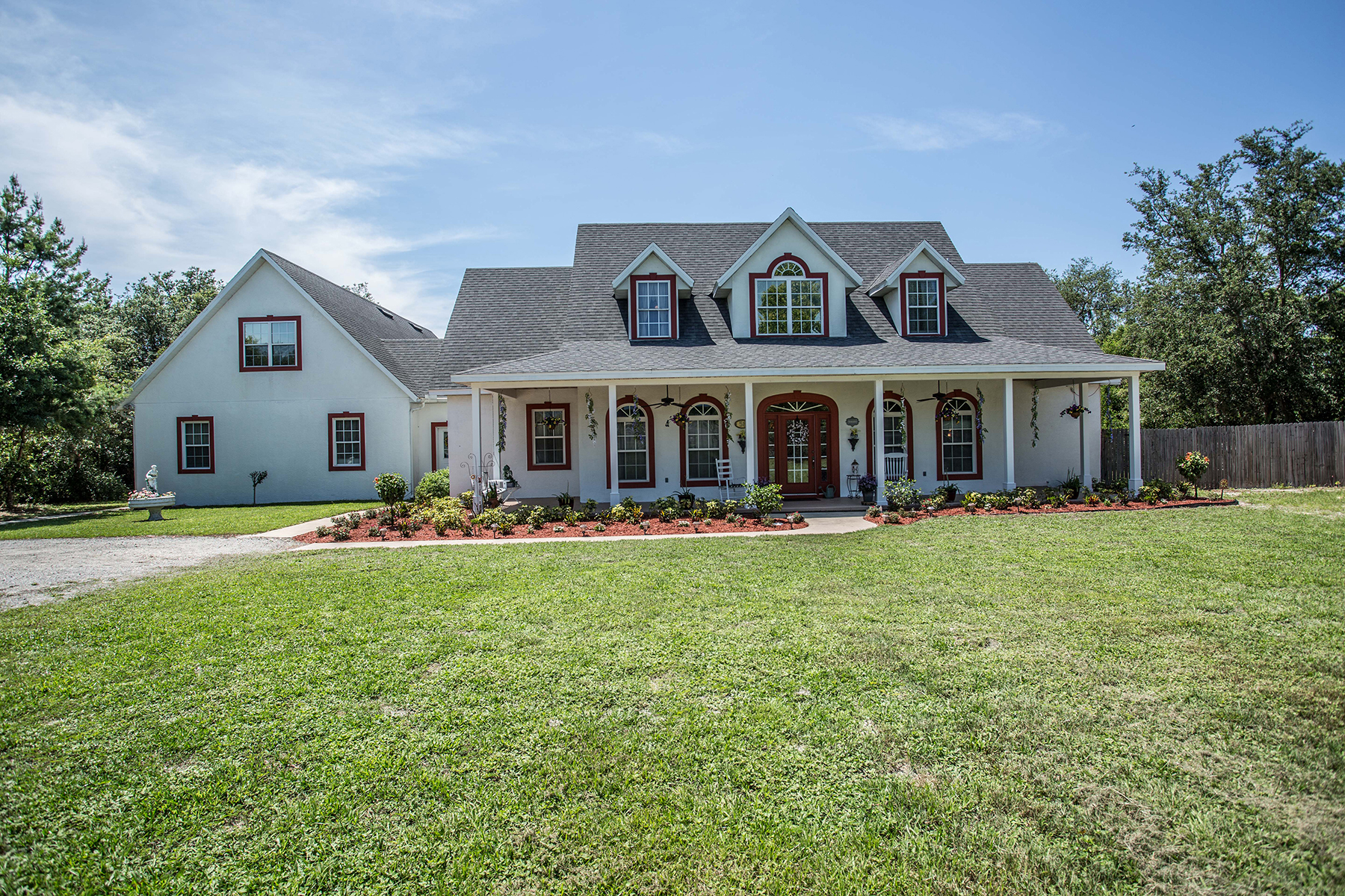 Casa Unifamiliar por un Venta en DELTONA,FLORIDA 58 S Courtland Blvd E Deltona, Florida 32738 Estados Unidos