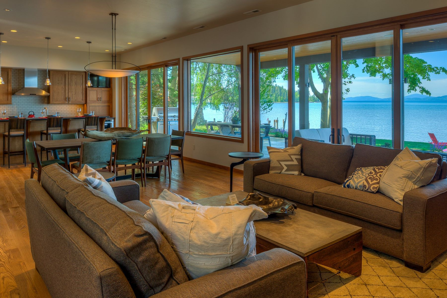 Additional photo for property listing at Flathead Lake Contemporary 62  Rivers Bigfork, Montana 59911 United States