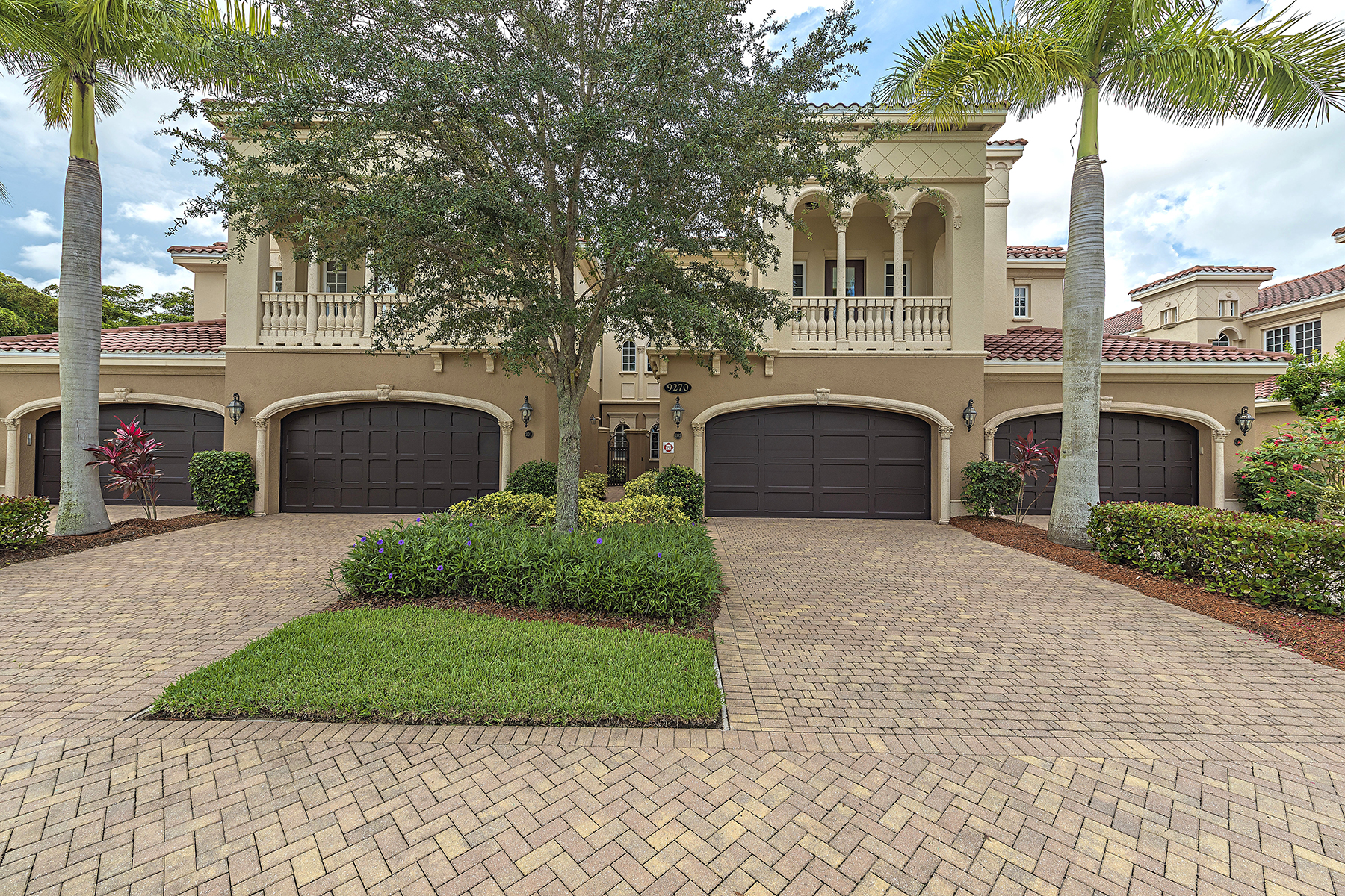 Condominio por un Venta en FIDDLER'SCREEK - MENAGGIO 9270 Menaggio Ct 202 Naples, Florida, 34114 Estados Unidos