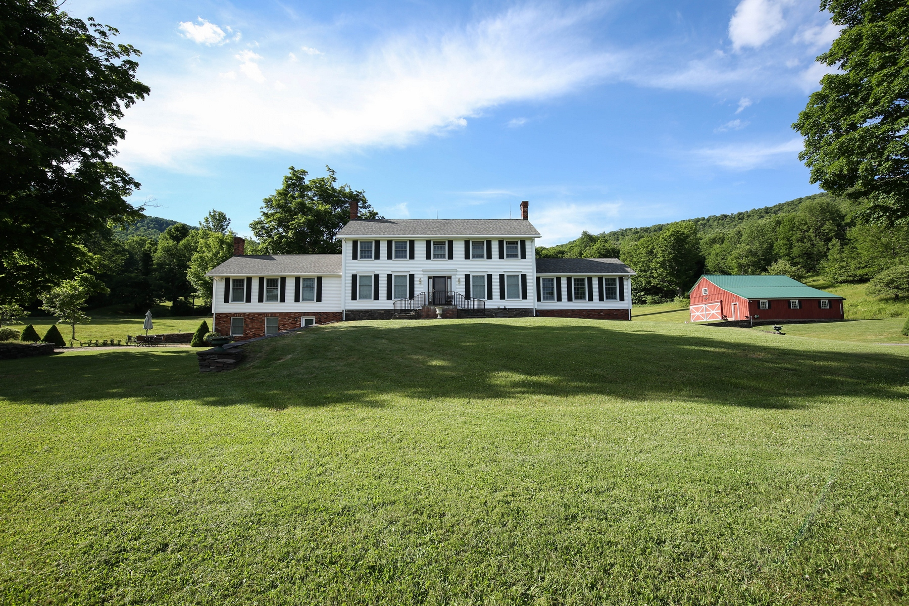 Additional photo for property listing at Catskill Mountain Estate with Panoramic Views 675  Ploutz Road Roxbury, New York 12474 United States