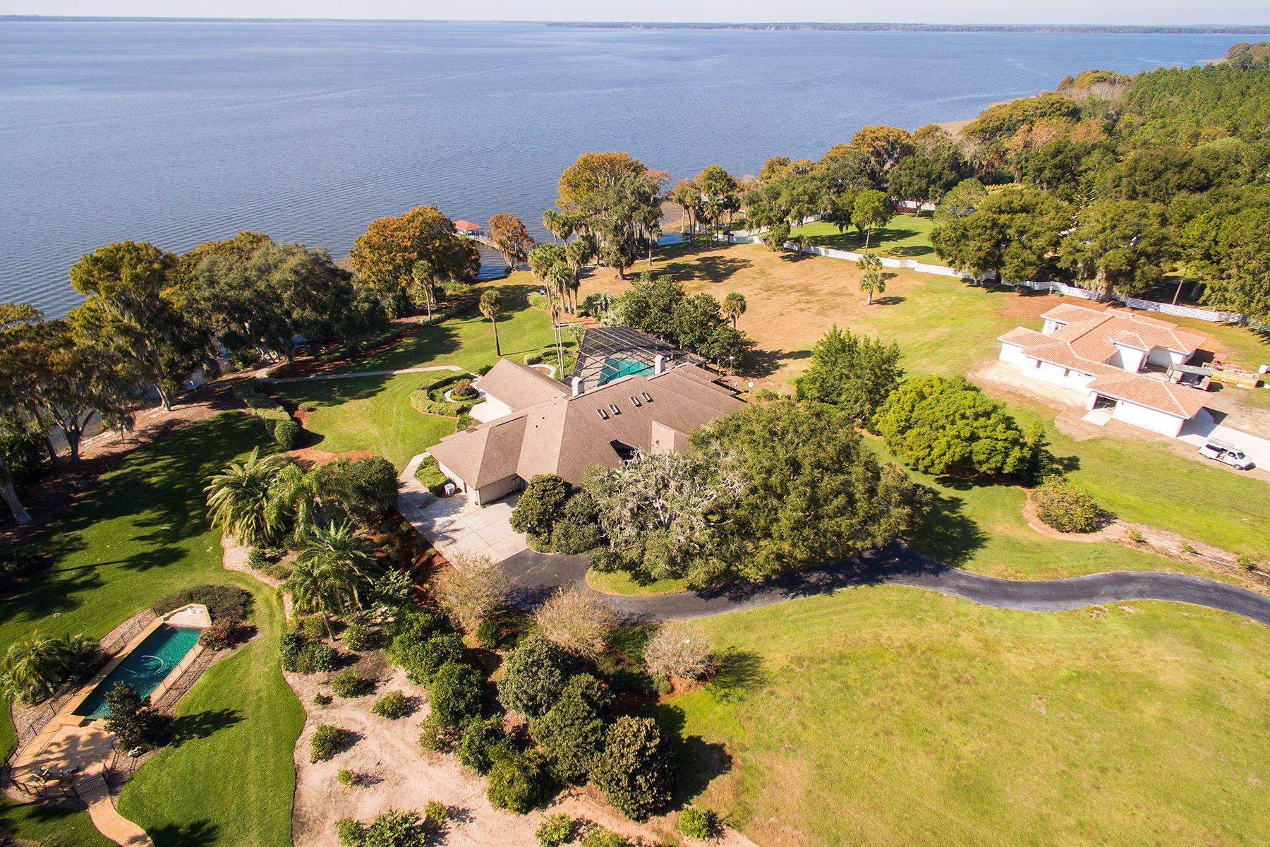 Maison unifamiliale pour l Vente à TAVARES FLORIDA 11226 Lane Park Rd Tavares, Florida, 32778 États-Unis