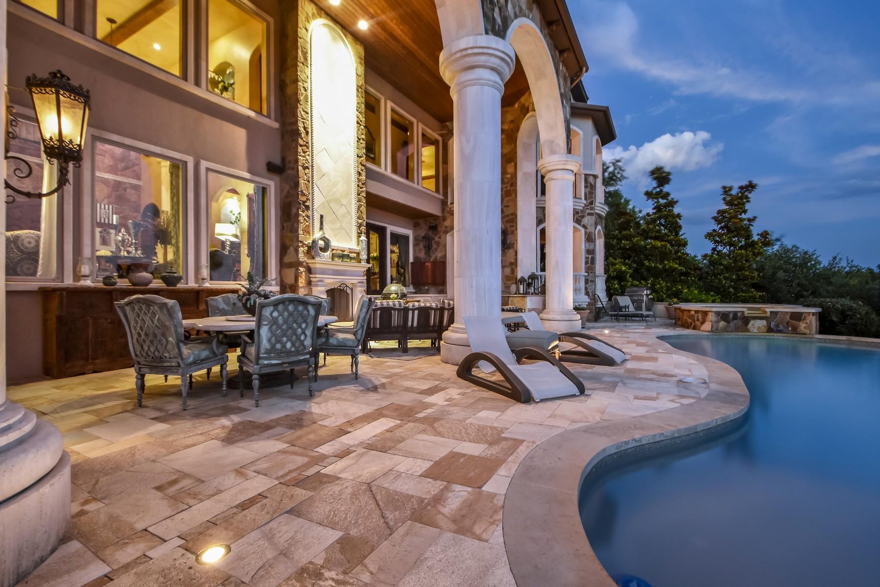 Additional photo for property listing at Tuscan Villa with Amazing Lake Travis Views 8319 Lime Creek Rd Austin, Texas 78641 Estados Unidos
