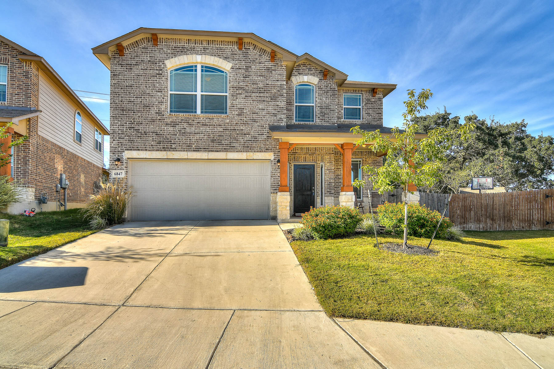 Single Family Home for Sale at Beautiful home in Alamo Ranch/Riverstone 6847 Briscoe Mill San Antonio, Texas 78253 United States
