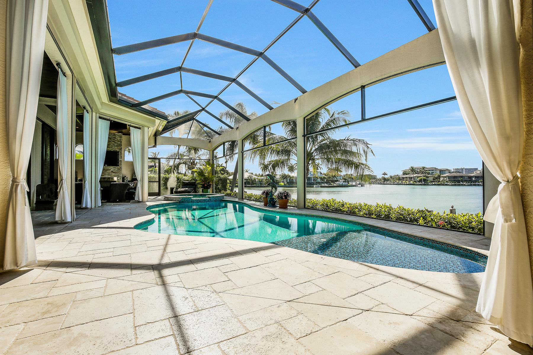 Maison unifamiliale pour l Vente à MARCO ISLAND 510 Mangrove Ct Marco Island, Florida, 34145 États-Unis