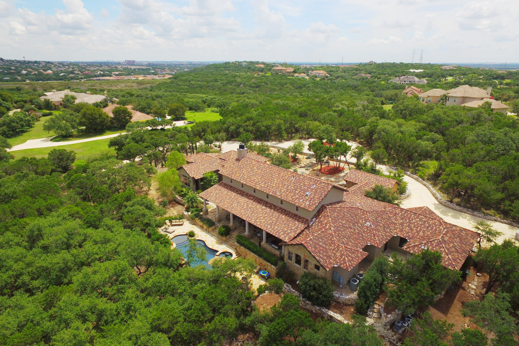 Additional photo for property listing at Breathtaking Estate in Greystone Estates 19418 Settlers Crk San Antonio, Texas 78258 Estados Unidos