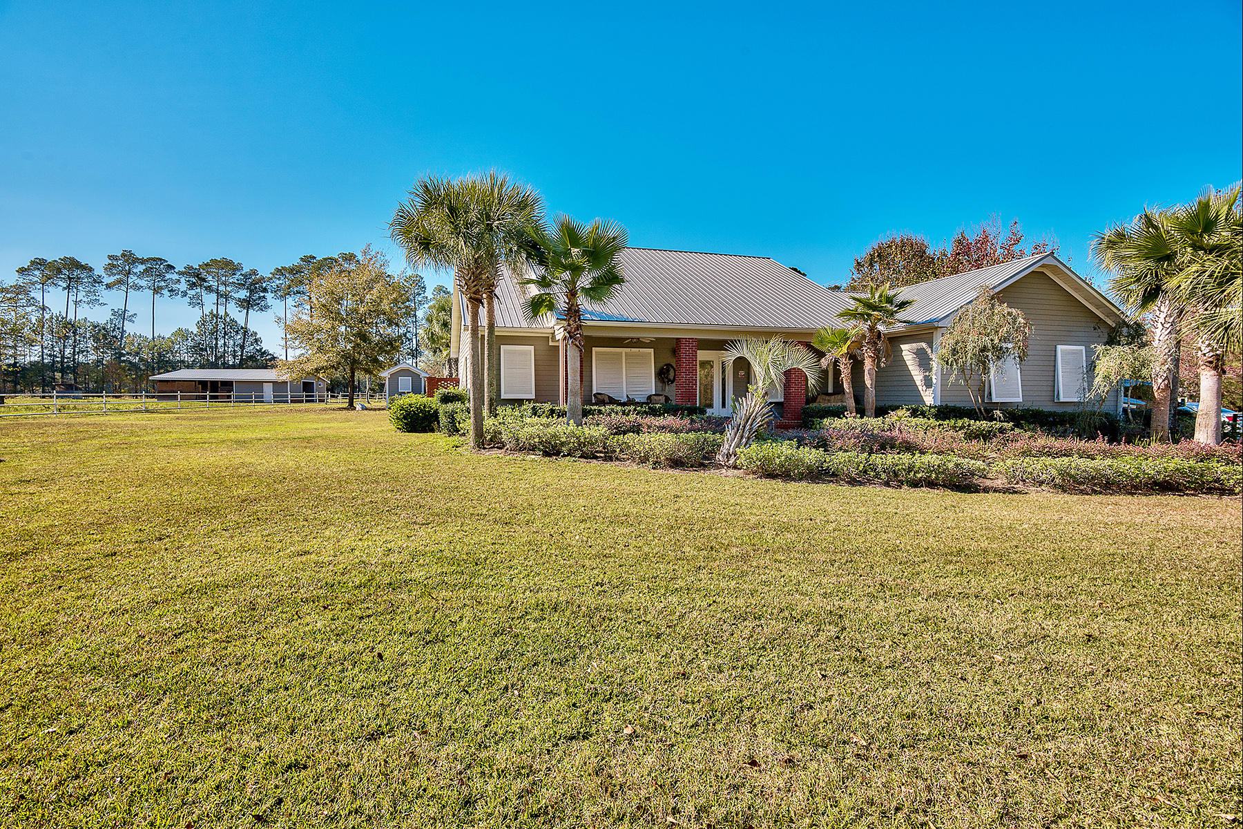 Single Family Home for Sale at EQUESTRIAN ESTATE WITH WATERFRONT ACCESS 356 Whitfield Road Freeport, Florida, 32439 United States