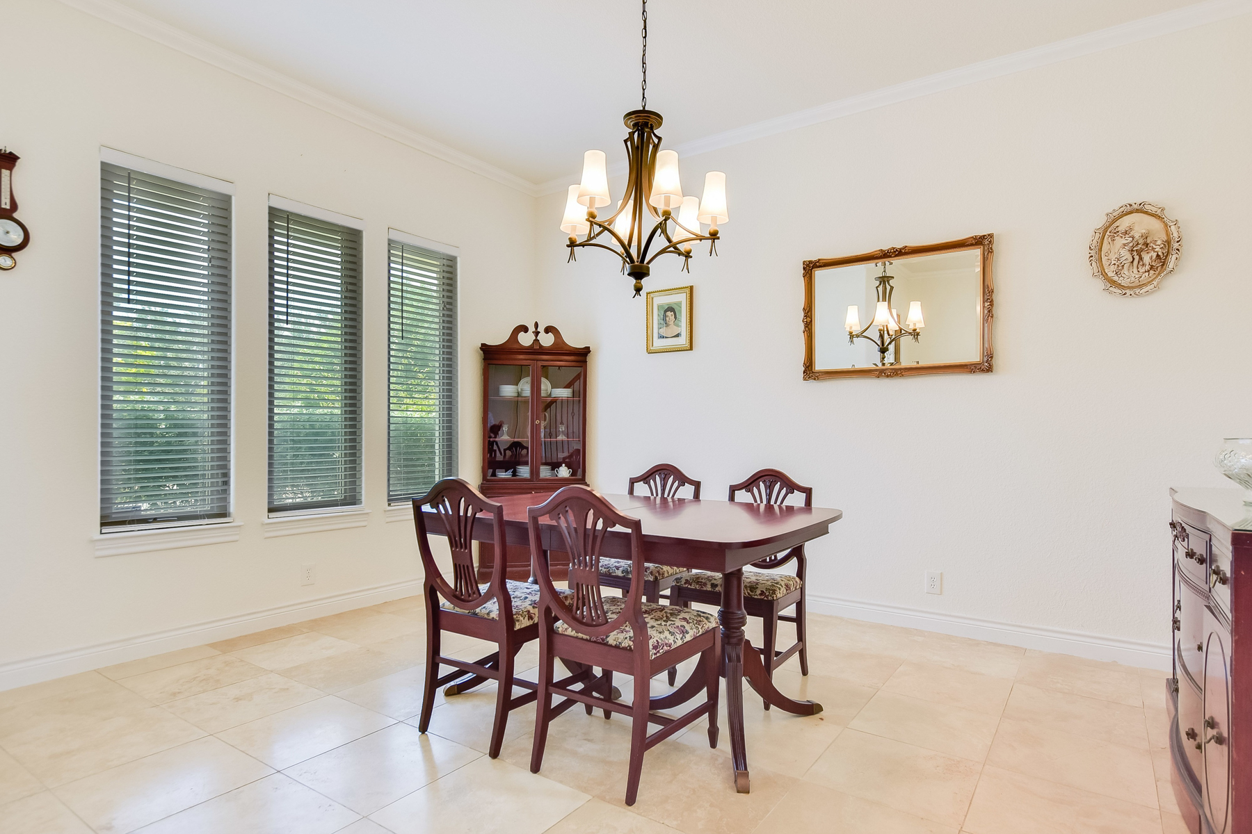 Additional photo for property listing at Beautiful Home in Horseshoe Bay West 3504 Douglas Dr Horseshoe Bay, Texas 78657 Estados Unidos