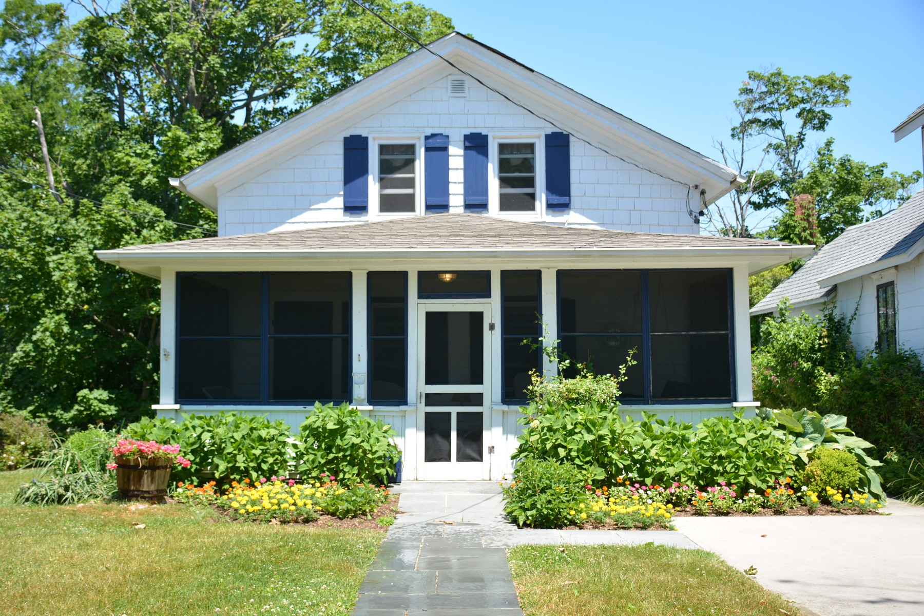 Single Family Home for Sale at Farmhouse 314 Atlantic Ave Greenport, New York, 11944 United States
