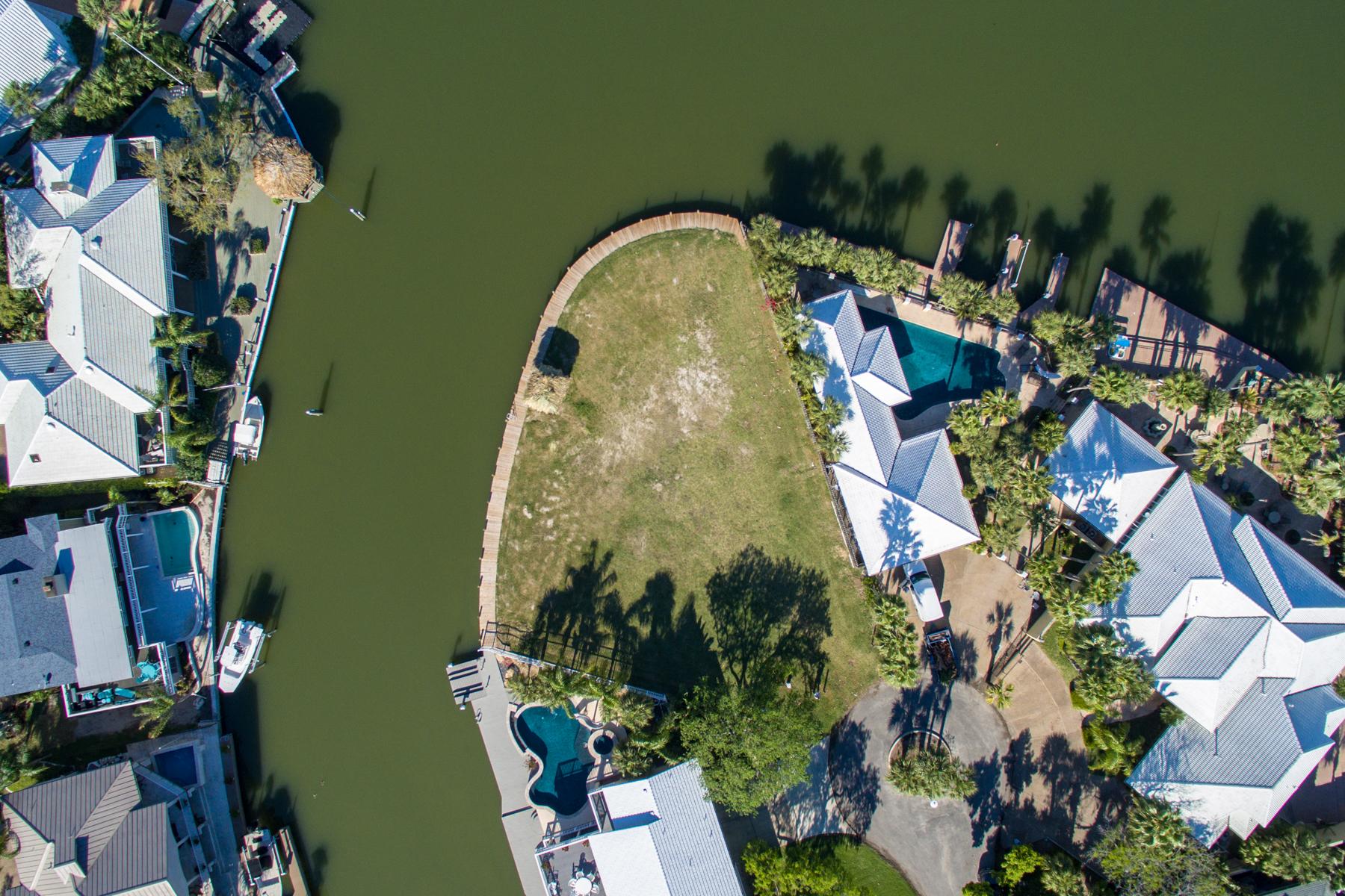 Terreno por un Venta en Spectacular Bayfront Lot in Rockport 34 Bahama Dr Rockport, Texas 78382 Estados Unidos