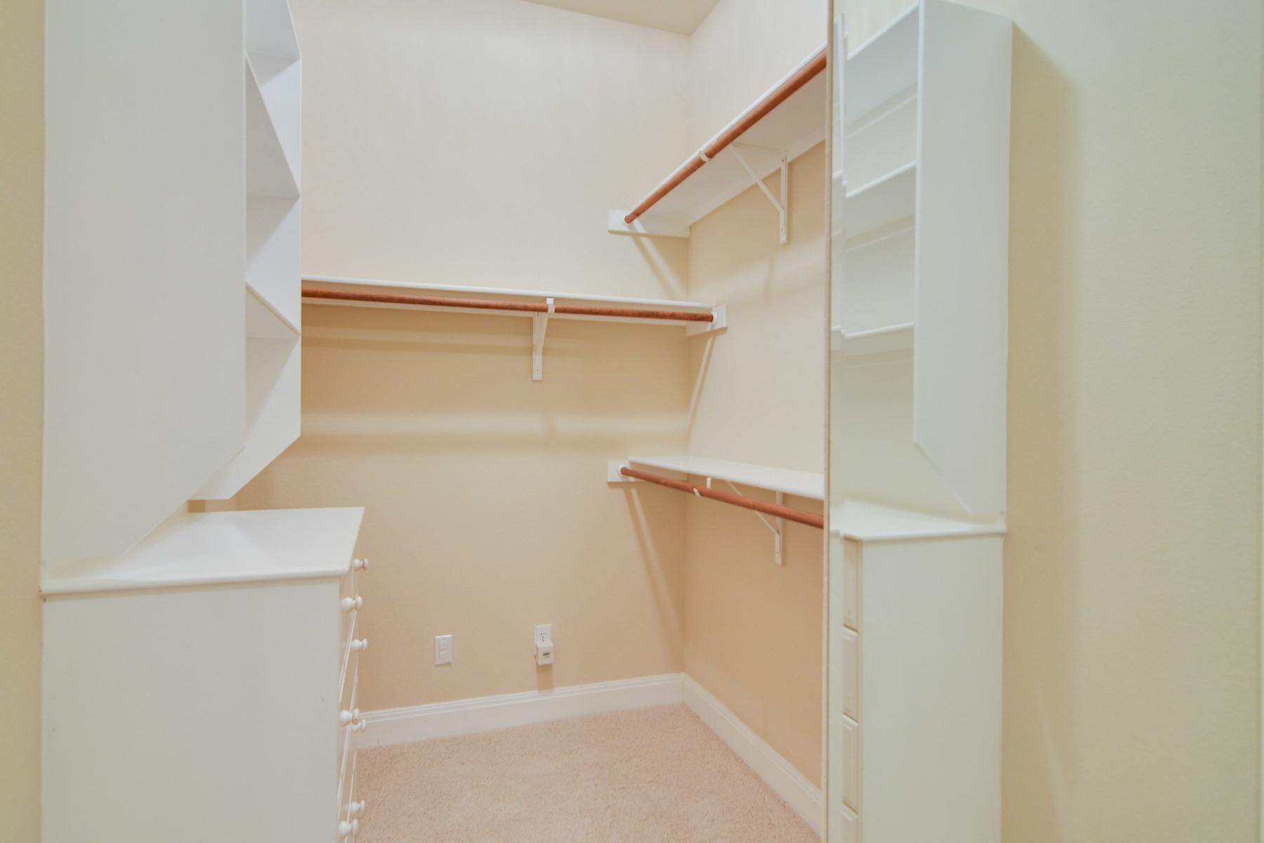 Additional photo for property listing at Gorgeous Gem in The Dominion 8 Worthsham Dr San Antonio, Texas 78257 Estados Unidos