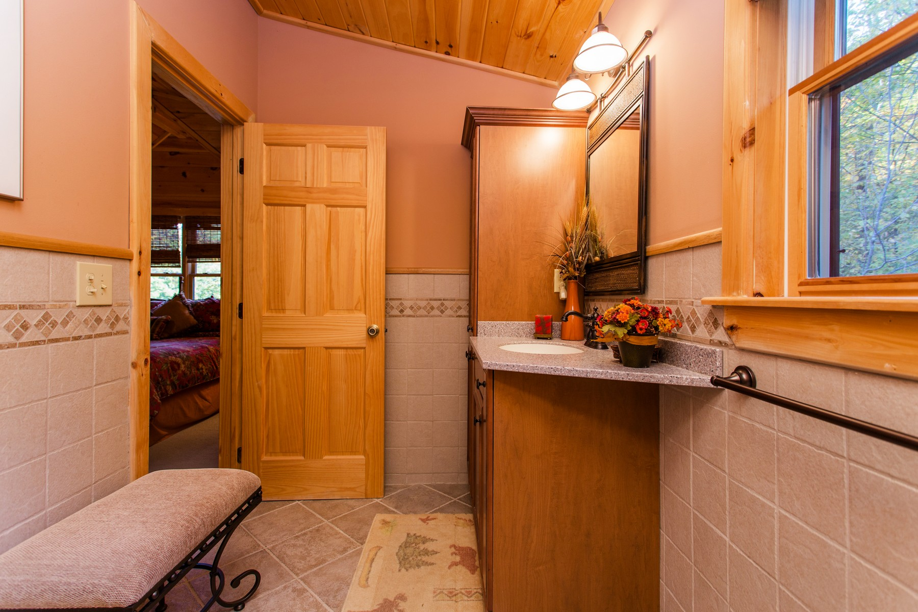 Additional photo for property listing at Lake George - Log Home 5500  Bluff Head Rd Dresden, New York 12841 États-Unis