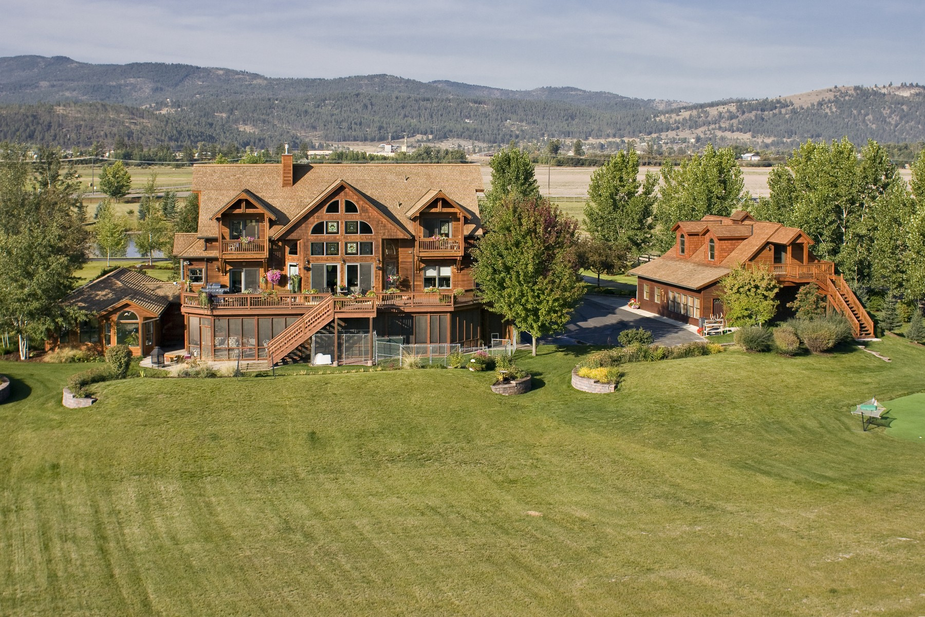 Additional photo for property listing at Flathead River Home 767  Lower Valley Rd Kalispell, Montana 59901 United States