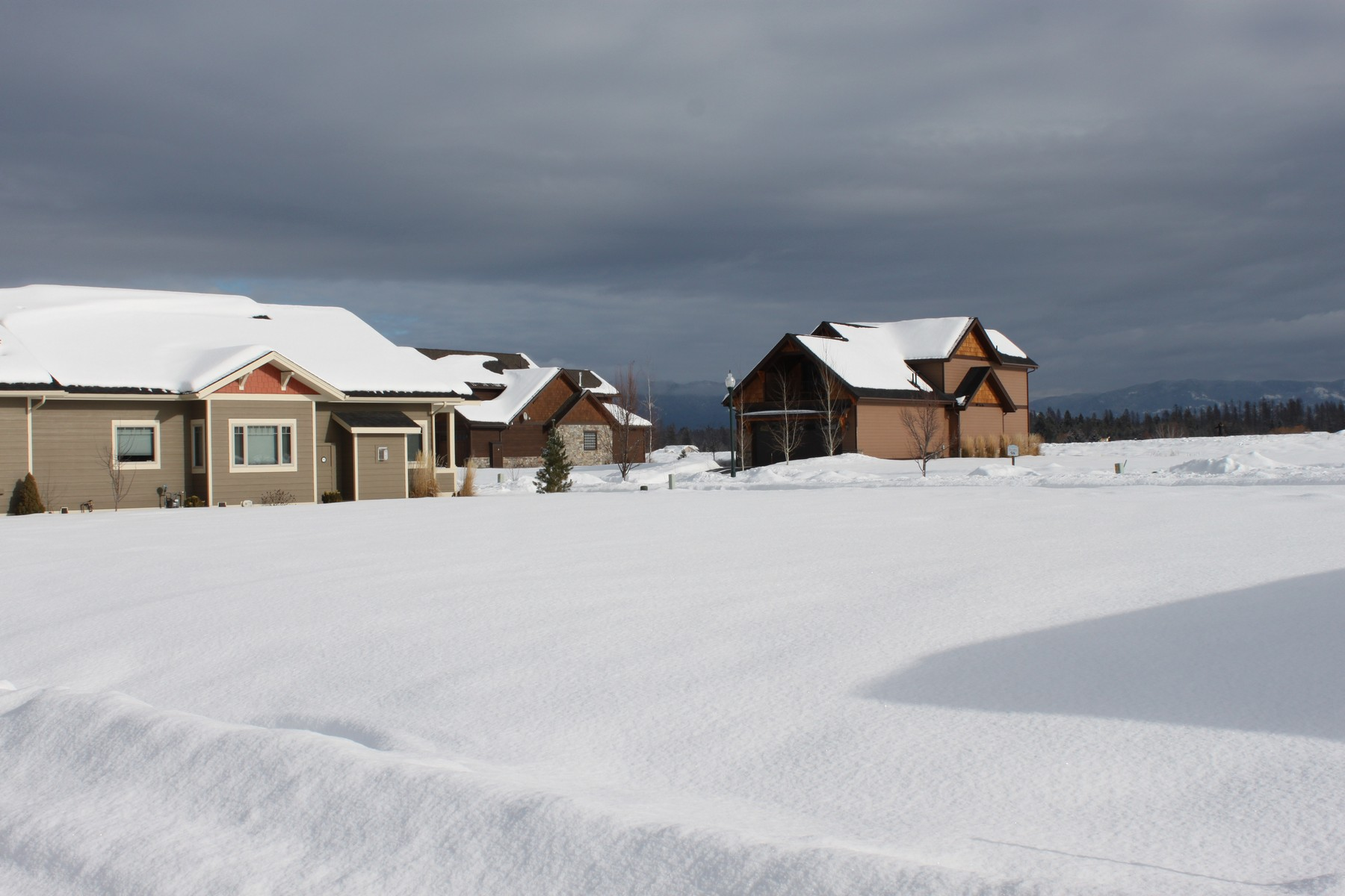 Additional photo for property listing at 5038 Flatwater Dr , Whitefish, MT 59937 5038  Flatwater Dr Whitefish, Montana 59937 United States