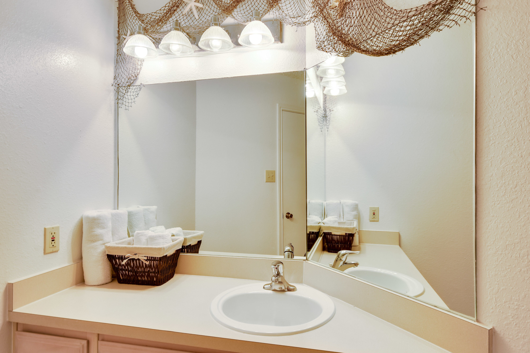 Additional photo for property listing at Incredible Condo in Corpus Christi 14721 Whitecap Blvd 366 Corpus Christi, Texas 78418 United States