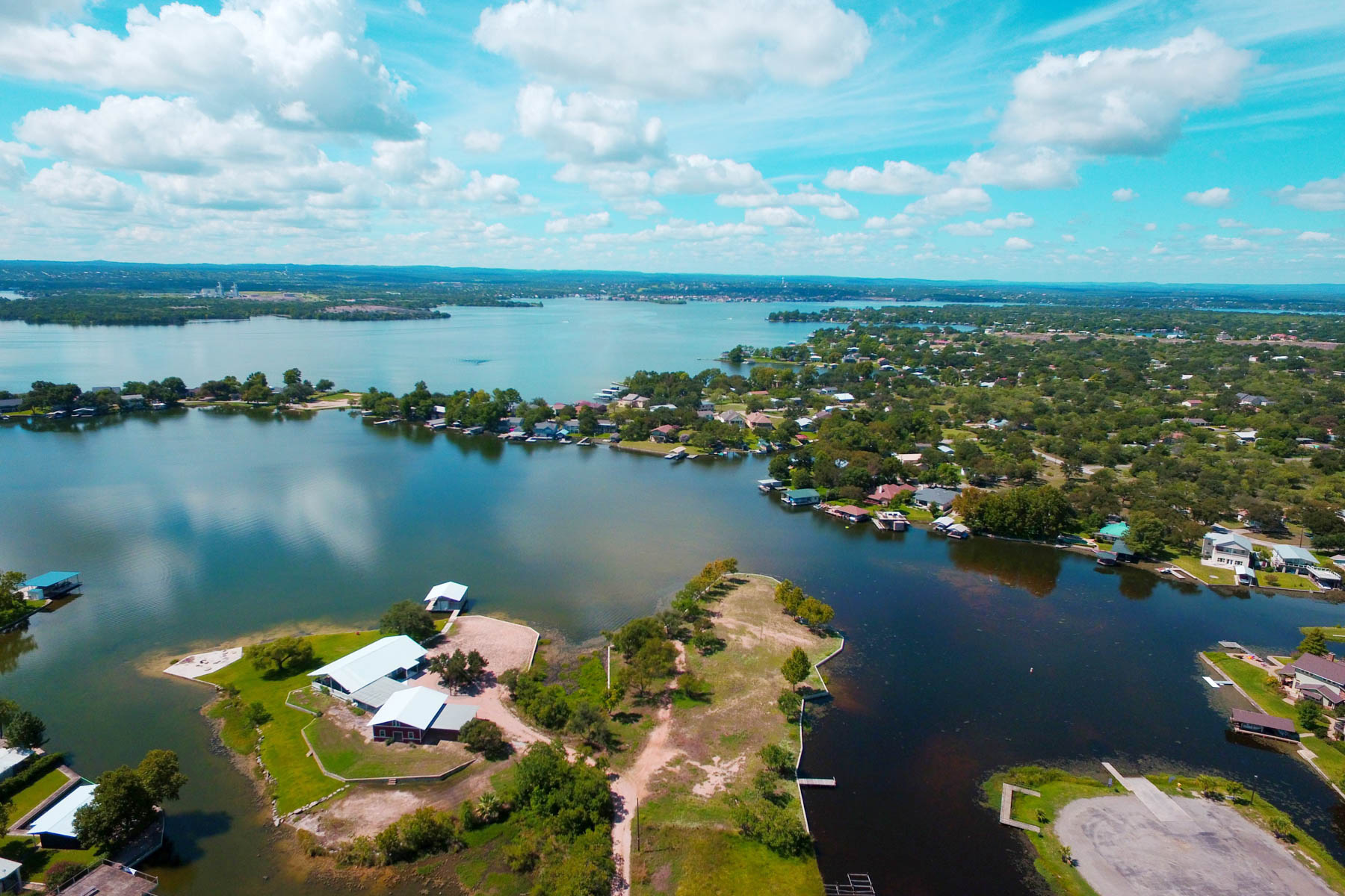 Additional photo for property listing at A Rare Opportunity on Lake LB 701 Woodland Hills Dr Granite Shoals, Texas 78654 United States