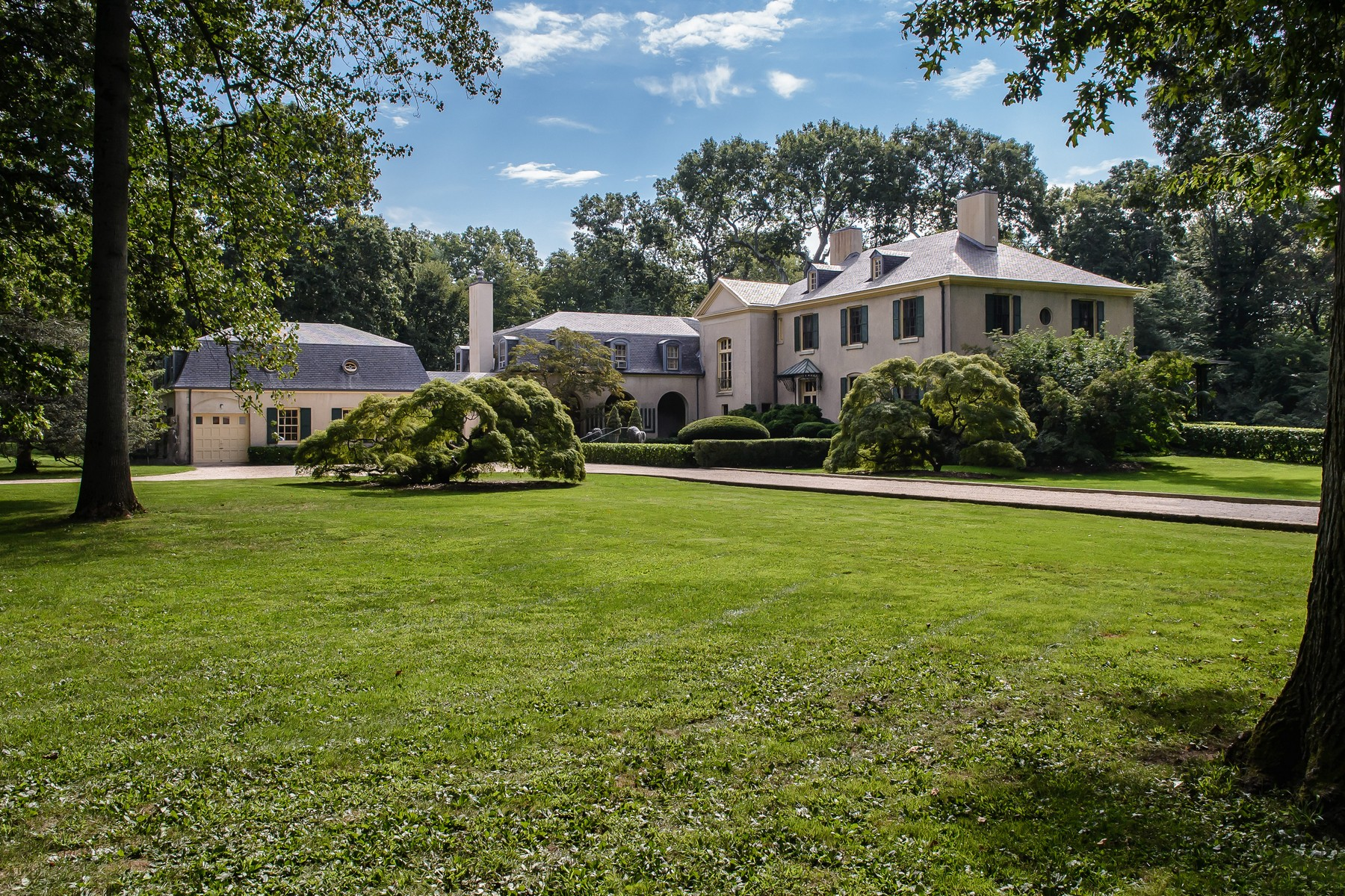 Villa per Vendita alle ore Hastings House 10 Hastings Rd Old Westbury, New York, 11568 Stati Uniti