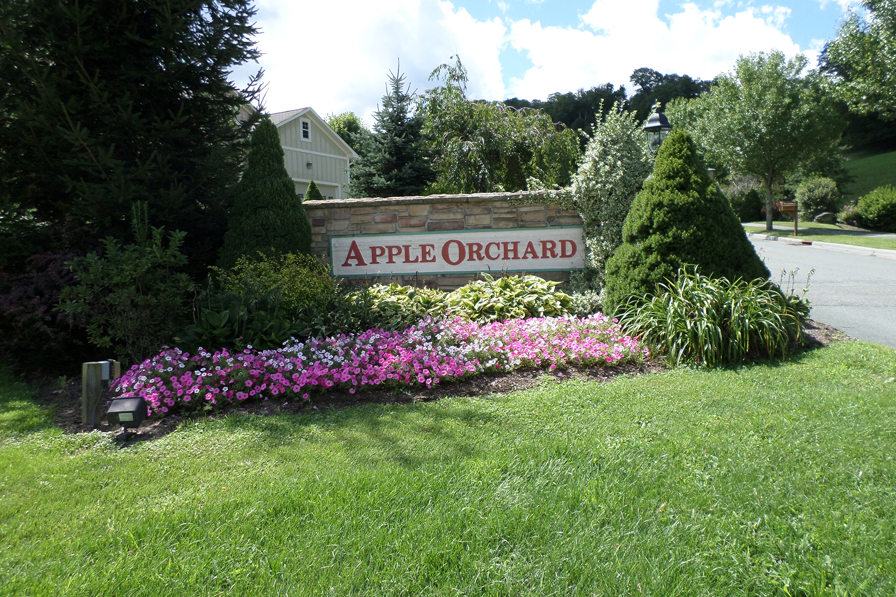 Additional photo for property listing at BANNER ELK - APPLE ORCHARD Lot 68  Orchard Lane Banner Elk, North Carolina 28604 United States