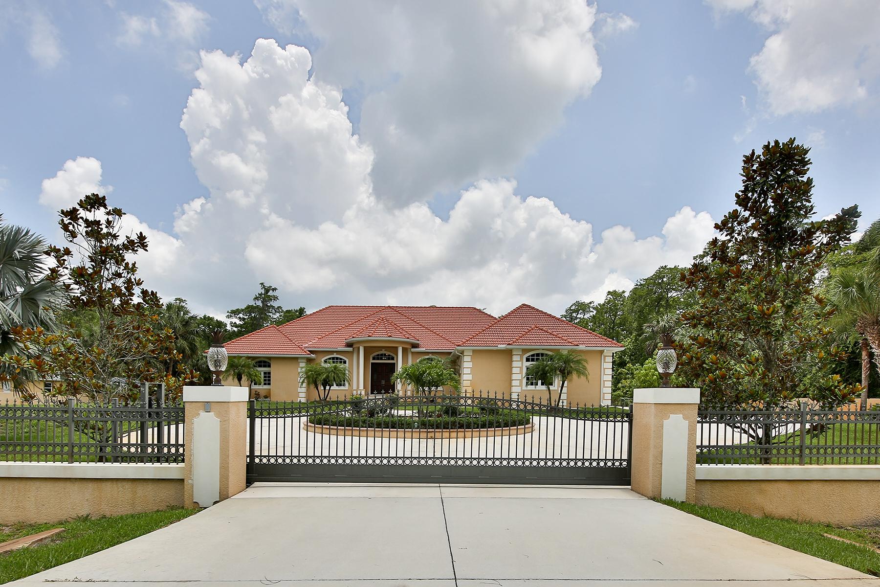 Vivienda unifamiliar por un Venta en GOLDEN GATE ESTATES 4244 1st Ave NW Naples, Florida, 34119 Estados Unidos
