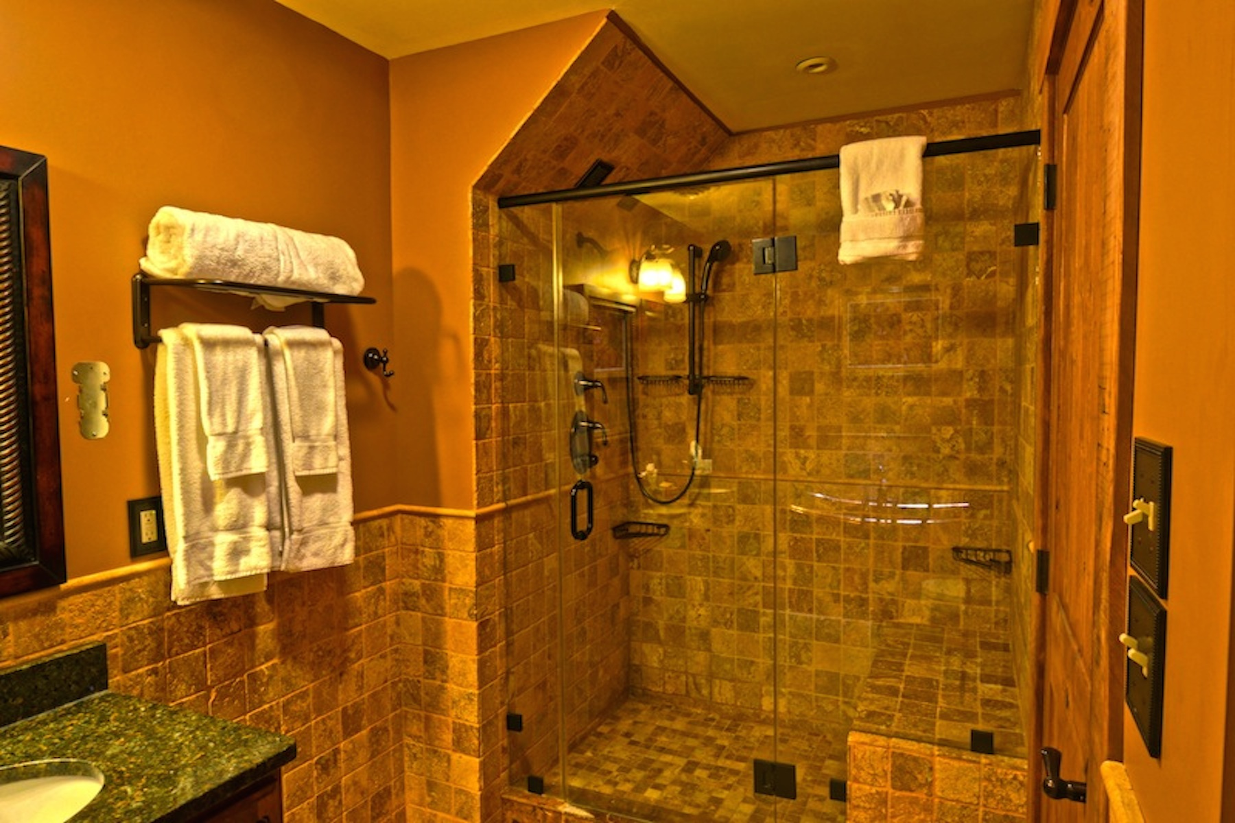 Additional photo for property listing at Luxury Hunter Mountain Duplex 504  Klein Ave Hunter, Nueva York 12442 Estados Unidos