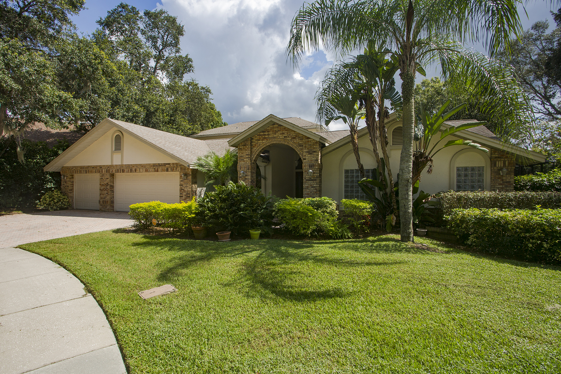 Single Family Home for Sale at CLEARWATER 2885 Chelsea Pl N Clearwater, Florida, 33759 United States