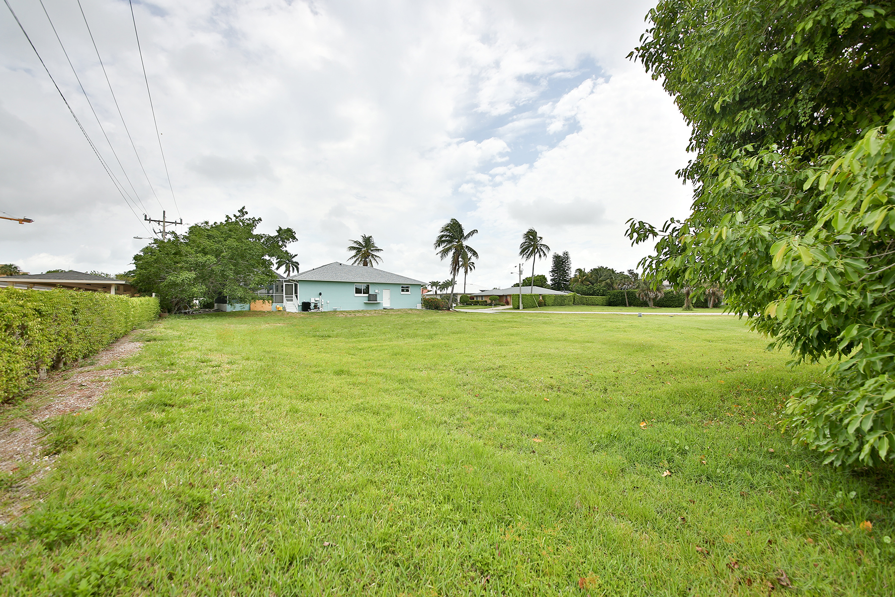 Đất đai vì Bán tại MARCO ISLAND 498 Fieldstone Dr Marco Island, Florida, 34145 Hoa Kỳ