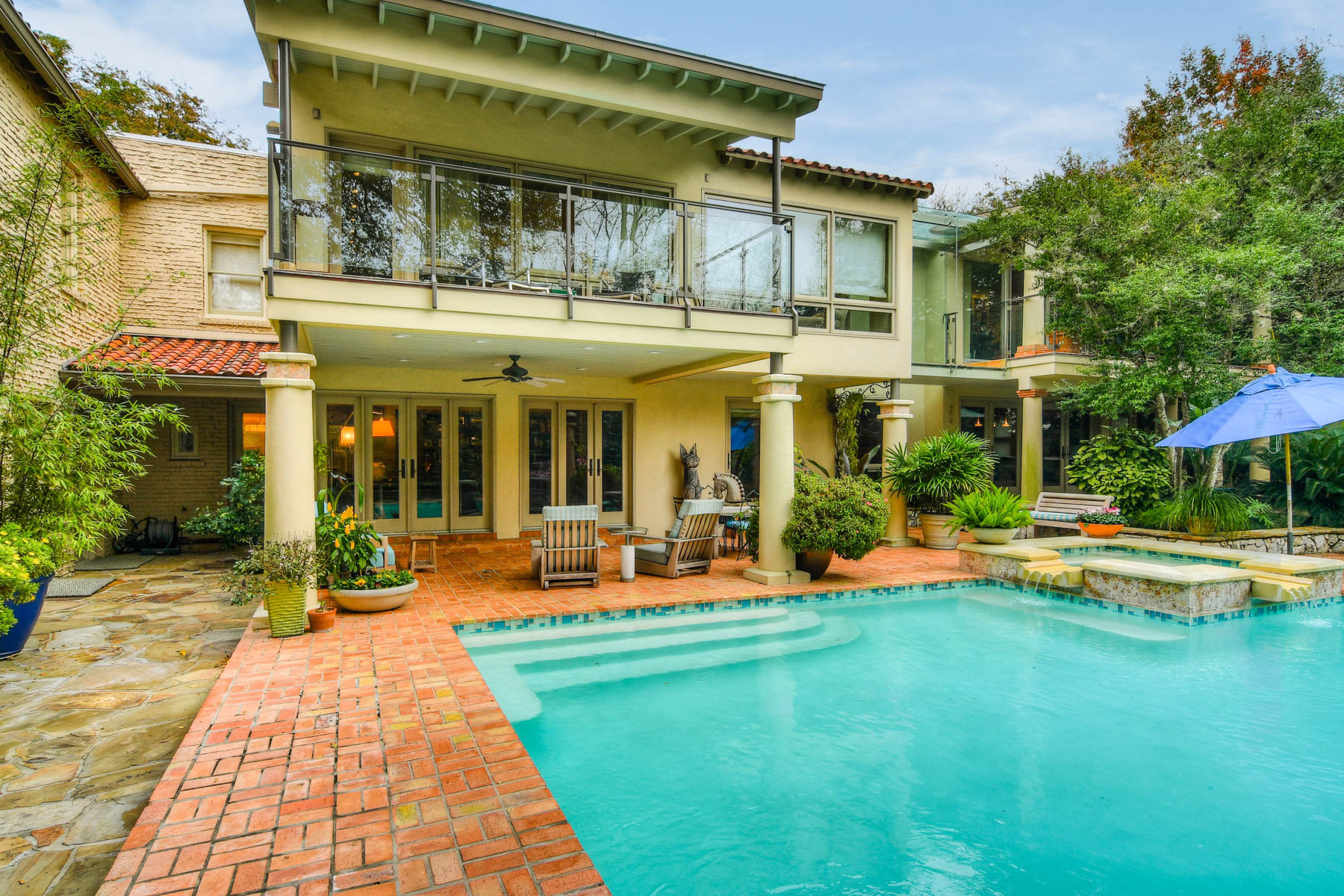 Additional photo for property listing at Vintage 1920's Olmos Park Estate 408 Park Dr San Antonio, Texas 78212 United States