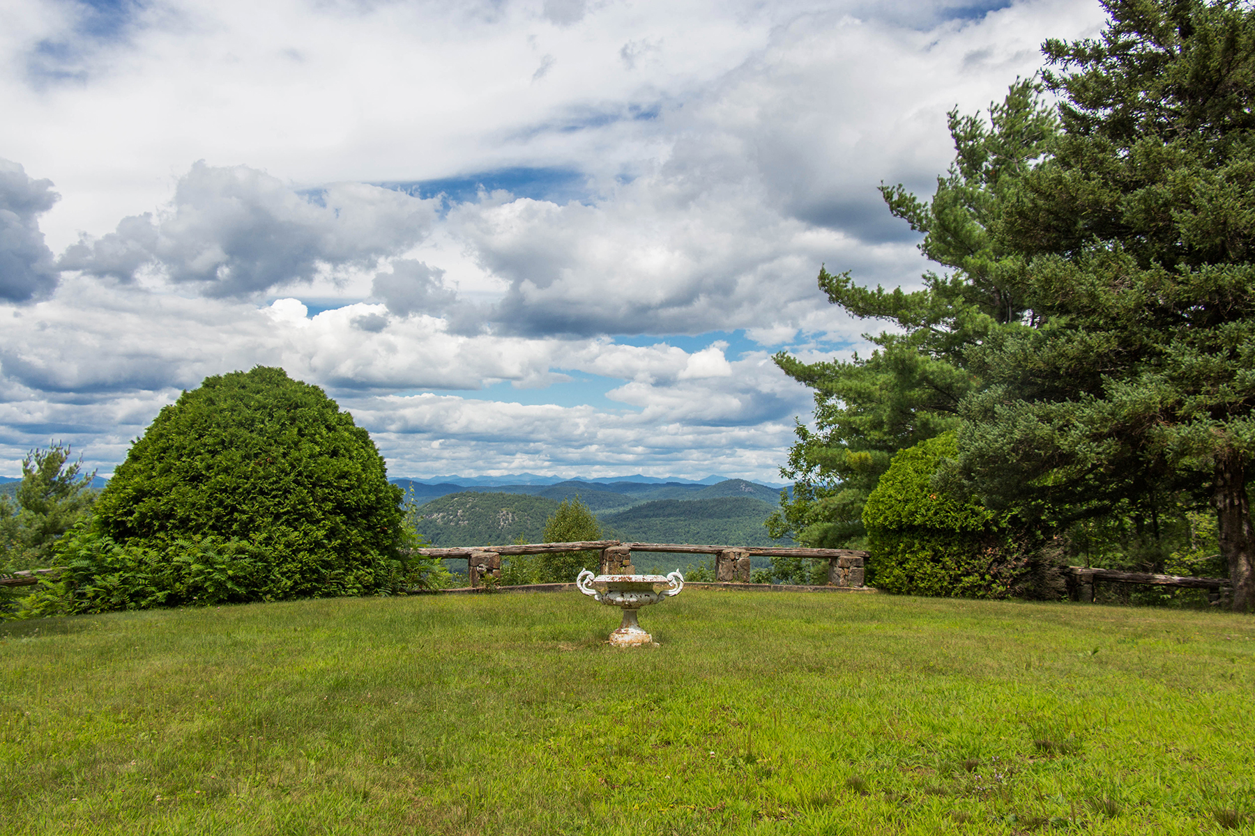 Additional photo for property listing at Unparalleled Adirondack Views 80  Whalen Dr 瓦伦斯煲, 纽约州 12885 美国