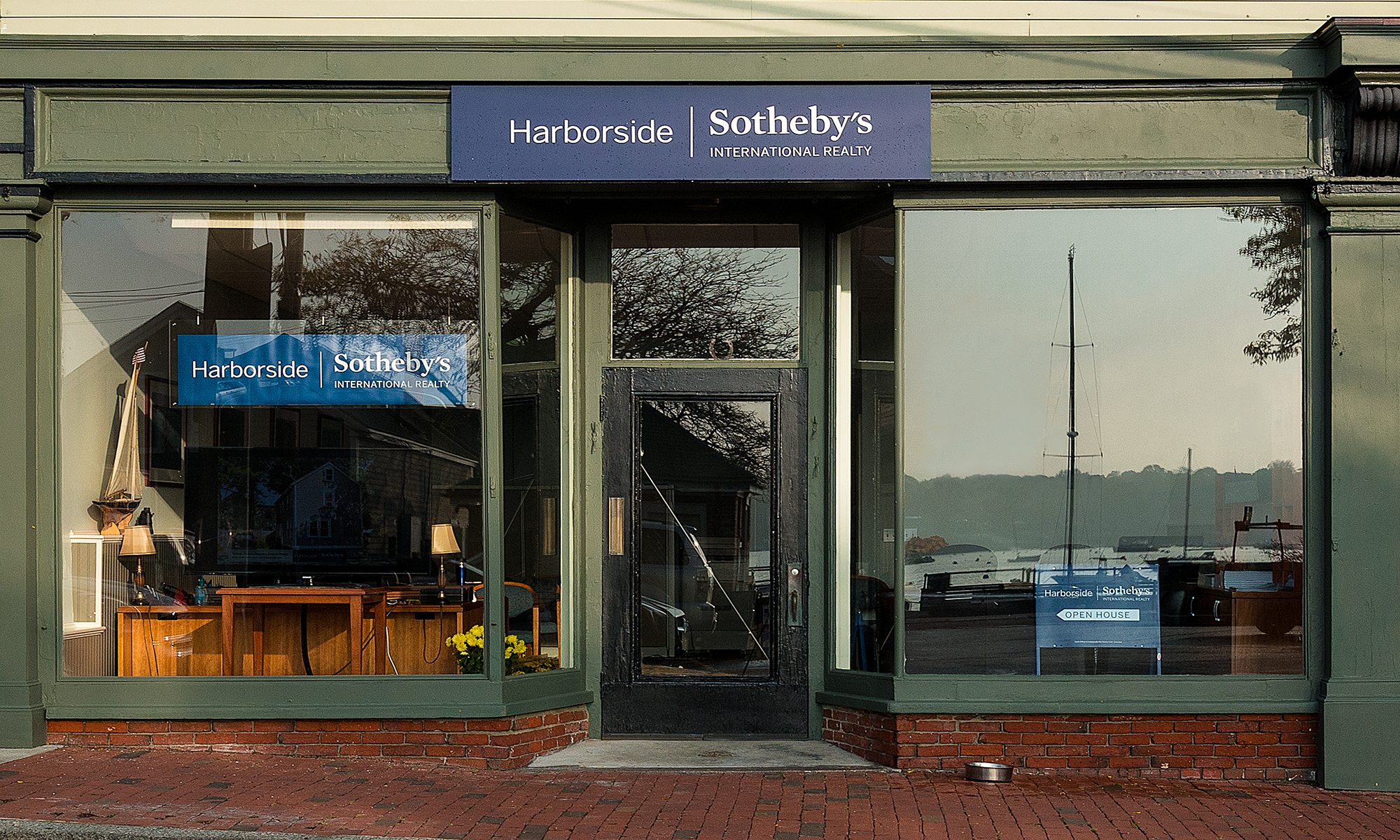 Office Harborside Sotheby's International Realty Photo