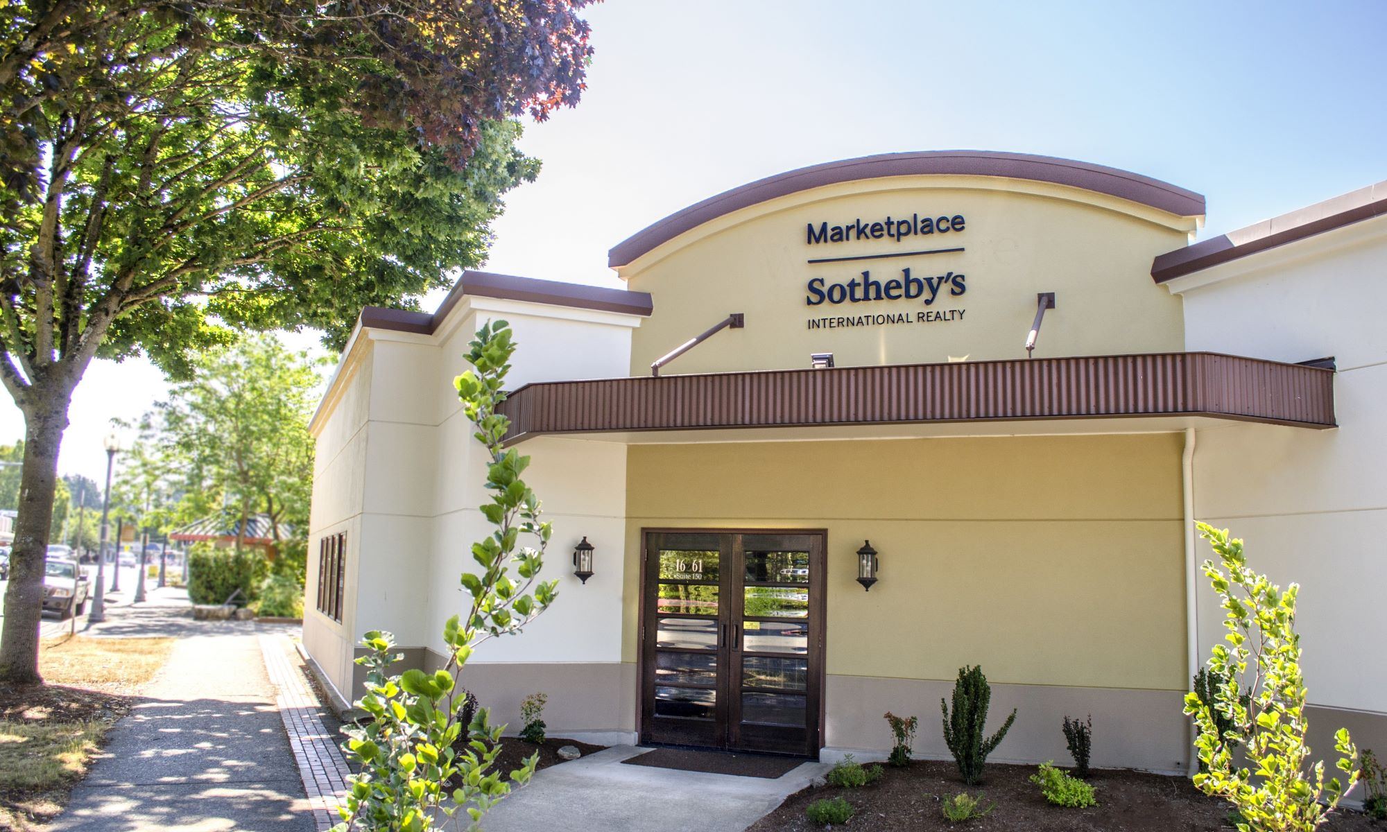 Office Marketplace Sotheby's International Realty Photo