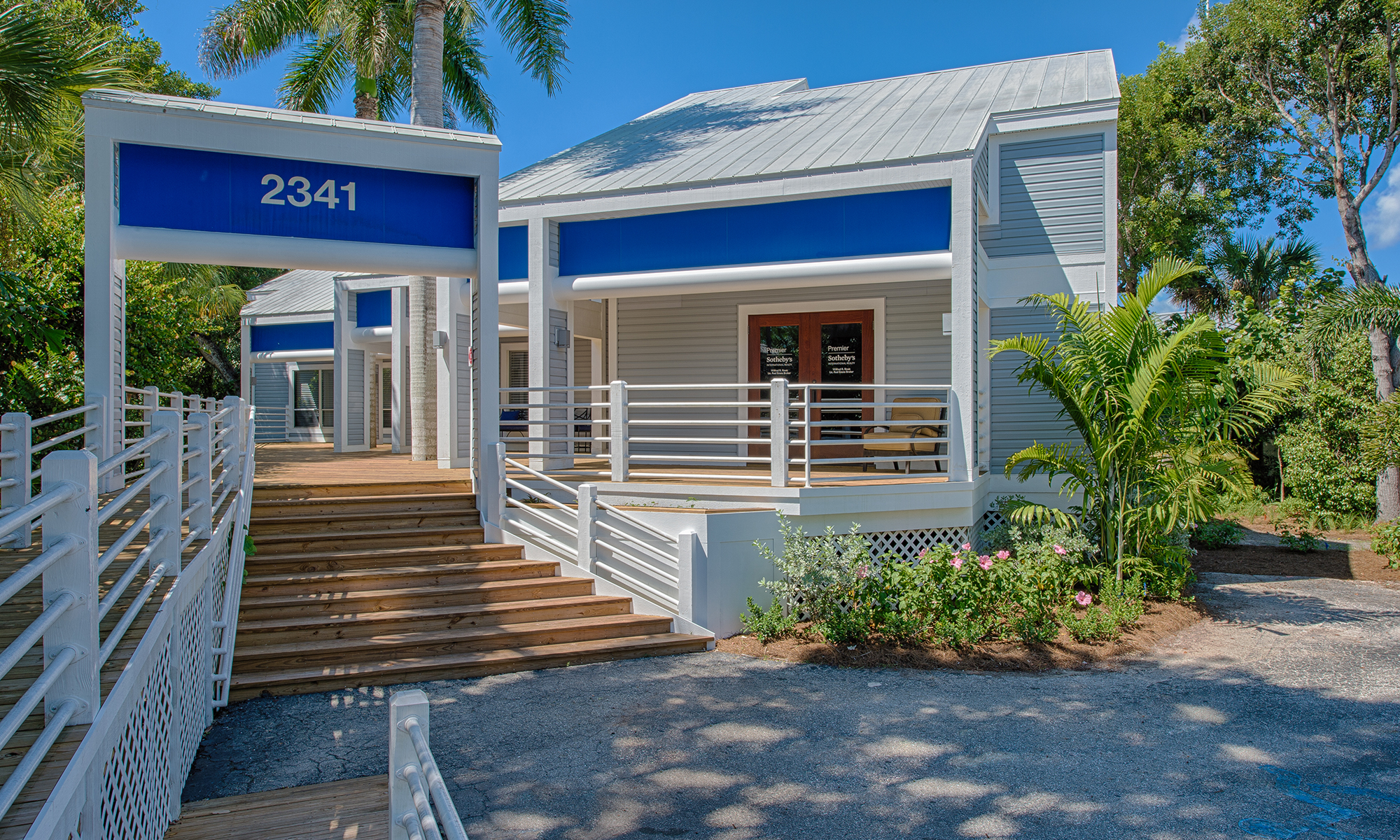 Office Premier Sotheby's International Realty Sanibel Photo