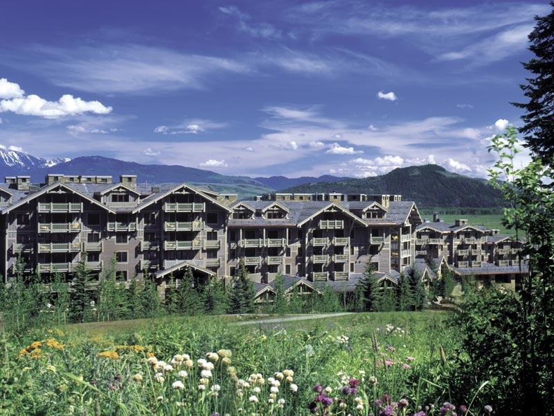 Four Season Resort Image