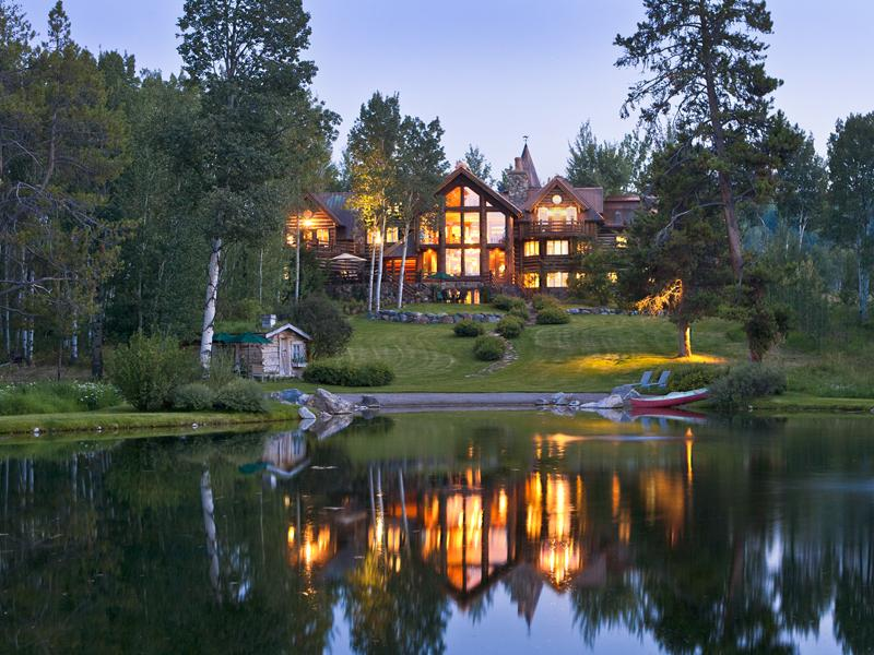 Magnificent Log Home on 33.76 Acres Image