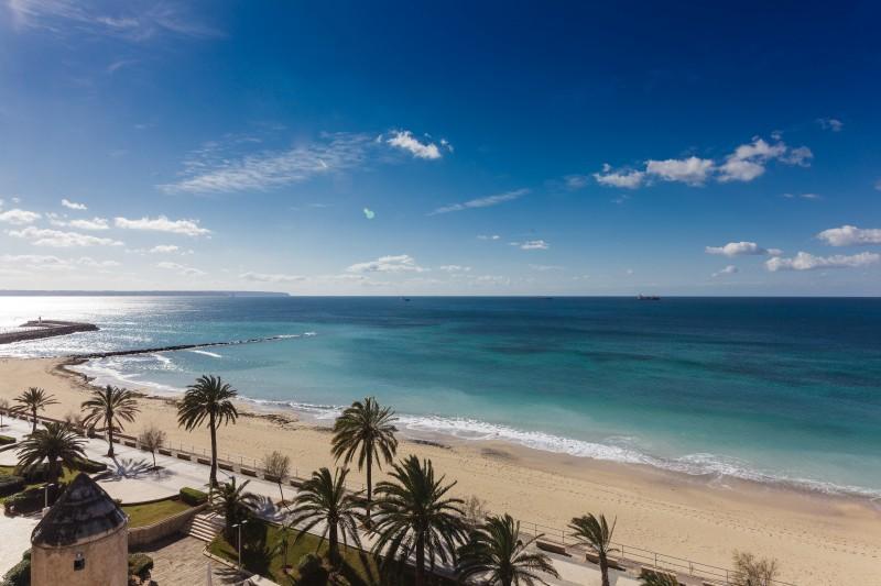 Apartamento por un Venta en Frontline luxury Penthouse in Portixol Palma Portixol, Mallorca 07001 España