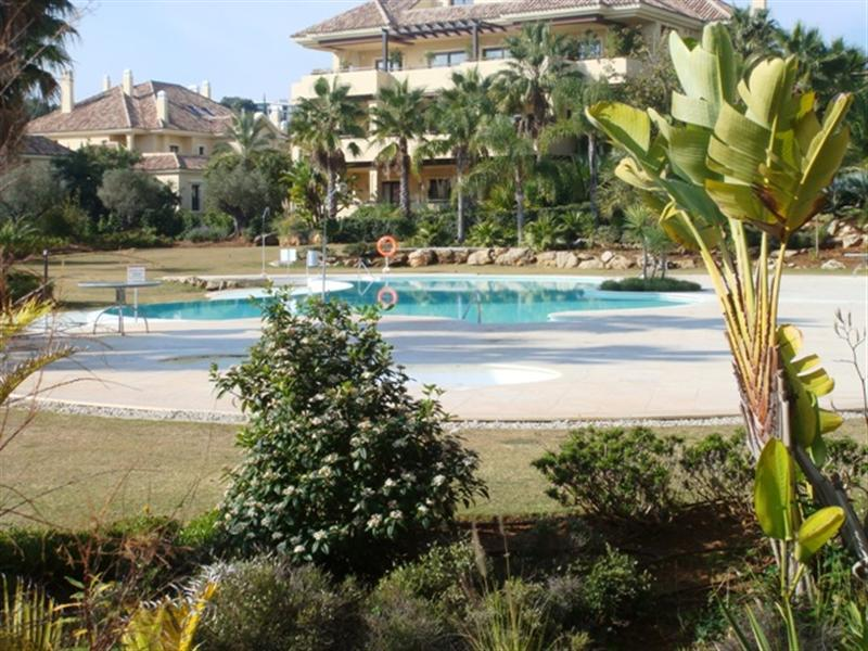 Apartamento para Venda às Spacious ground floor apartment Sotogrande, Costa Del Sol, 11310 Espanha