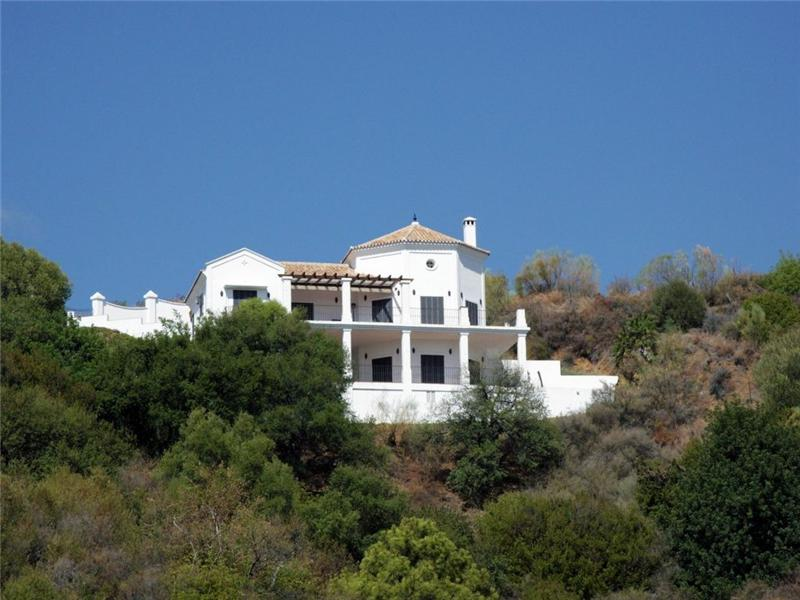 Maison unifamiliale pour l Vente à Perfect home in the hills, in a private urbanizati Benahavis, Costa Del Sol, 29679 Espagne