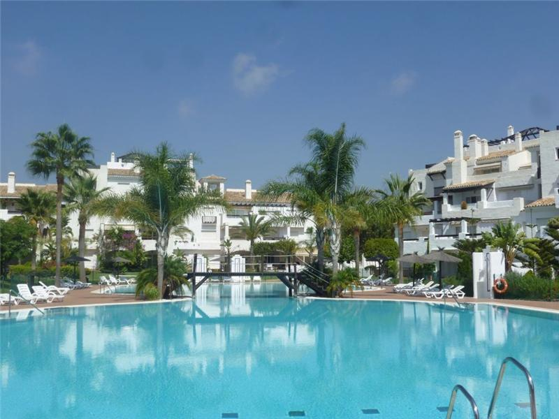 Appartement pour l Vente à A lovely complex in a top location. Marbella, Costa Del Sol 29679 Espagne