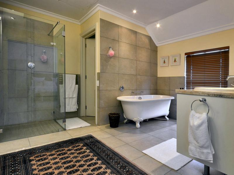 Property Of Ideal Weekend Getaway on Pearl Valley Golf Estate