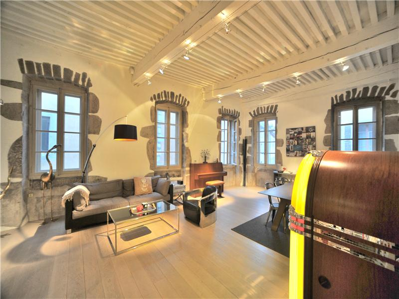 Apartment for Sale at All renovated flat Annecy, Rhone-Alpes 74000 France