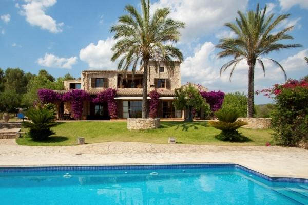 Property Of Finca with views over the Mallorcan countryside
