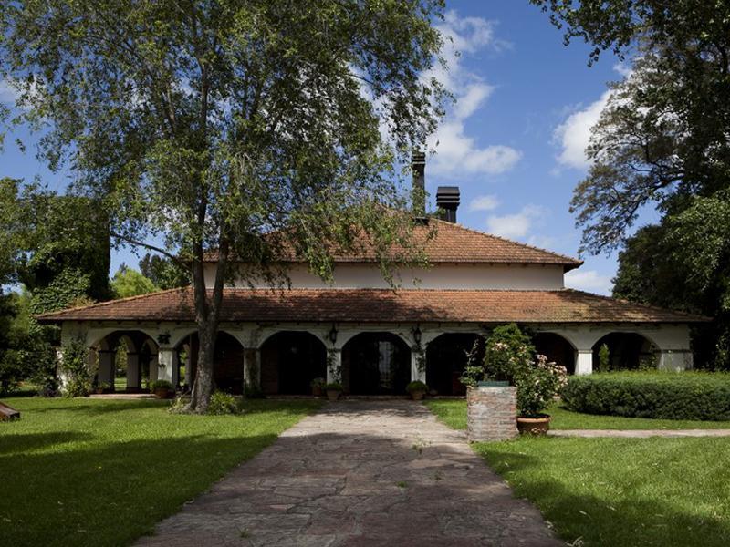Property Of Mediterranean Ranch in Buenos Aires - Capitán Sarm