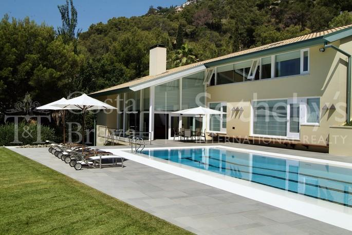 Property Of Spectacular villa unique in its style in Begur