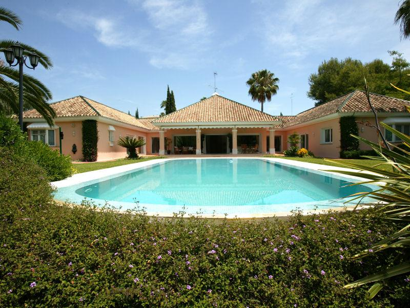 Property Of Delightful Front Line Golf Villa In Las Brisas