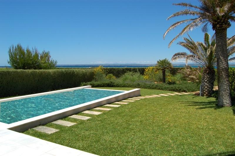 Appartement pour l Vente à Ground floor Apartment with pool at the beach Colonia De Sant Jordi, Majorque, 07638 Espagne