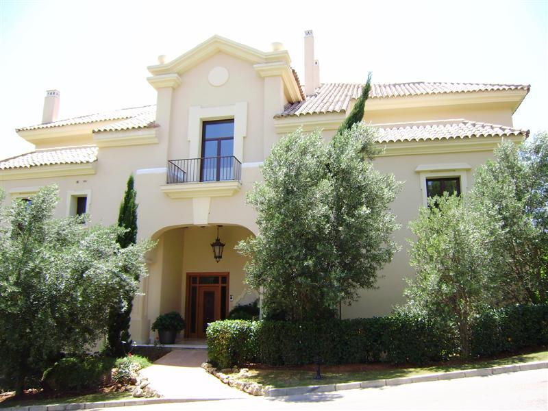 Apartamento por un Venta en Superb ground floor apartment Sotogrande, Costa Del Sol 11310 España