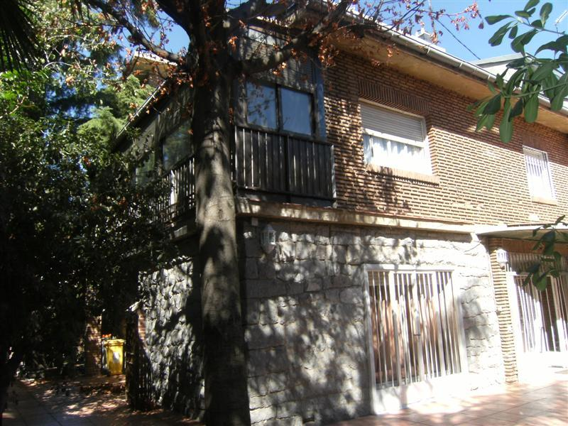 Property Of Single-Family Home with Lots of Possibilities in E