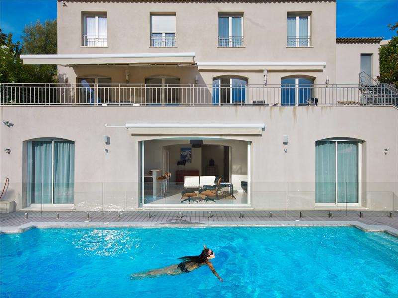 Single Family Home for Sale at Luxury contemporay property of 375 sqm Cannes, Provence-Alpes-Cote D'Azur 06400 France