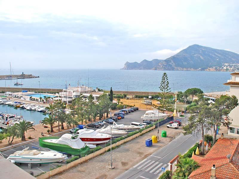 Appartement pour l Vente à Luxury penthouse with views over the marina and th Altea, Alicante Costa Blanca 03590 Espagne